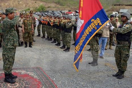 Campuchia: Quân đội đề nghị xử lý kẻ xuyên tạc vấn đề biên giới - ảnh 1