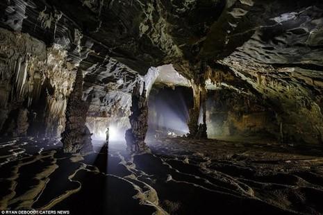 Ngỡ ngàng với hang động mới phát hiện tại Phong Nha-Kẻ Bàng - ảnh 1