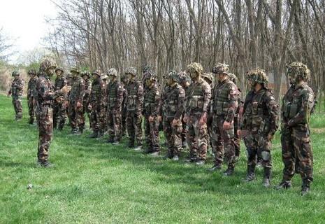 Hungary điều hàng nghìn quân đến biên giới chặn dòng người di cư - ảnh 2