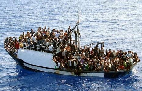 Italy: Thêm 500 người di cư được cứu sống trên Địa Trung Hải - ảnh 1