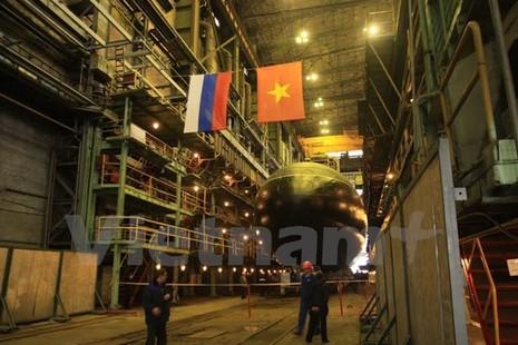 Nga hạ thủy chiếc tàu ngầm Kilo cuối cùng đóng cho Việt Nam - ảnh 1