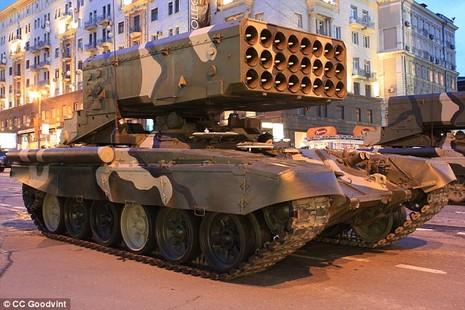 TOS-1A: 'Hỏa ngục' đủ sức phá 8 tòa nhà Nga mang đến Syria - ảnh 1