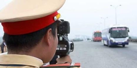 Các mức phạt khi ô tô, xe máy chạy quá tốc độ - ảnh 1