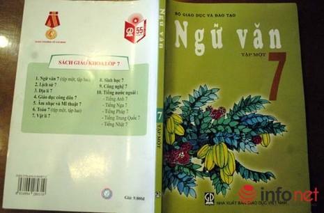 Phụ huynh sốc với bản dịch mới của bài thơ Sông núi nước Nam trong SGK lớp 7 - ảnh 1
