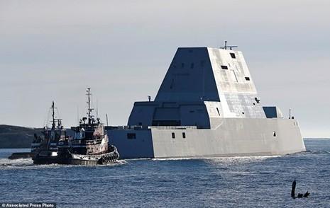 """Choáng ngợp với tàu khu trục """"khủng"""" giá 4,4 tỷ USD của Mỹ - ảnh 1"""