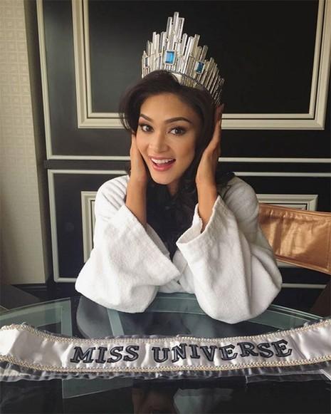 Hé lộ phần thưởng 'khủng' của Tân Hoa hậu Hoàn vũ - ảnh 3
