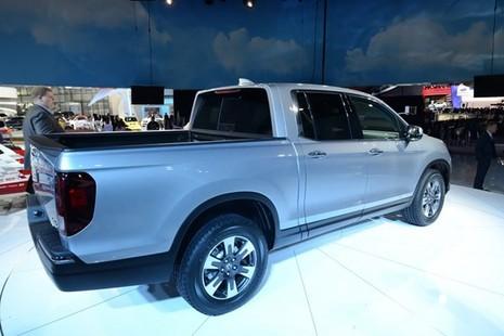 """Ridgeline 2017 : Xe bán tải mới của Honda """"đại náo"""" triển lãm Detroit 2016 - ảnh 6"""