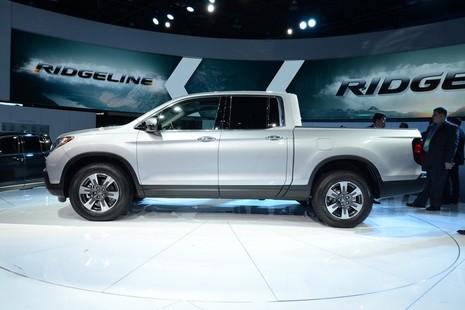 """Ridgeline 2017 : Xe bán tải mới của Honda """"đại náo"""" triển lãm Detroit 2016 - ảnh 3"""