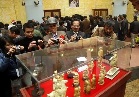Trưng bày, đấu giá gần 1.000 cổ vật quý tại tỉnh Nam Định - ảnh 1