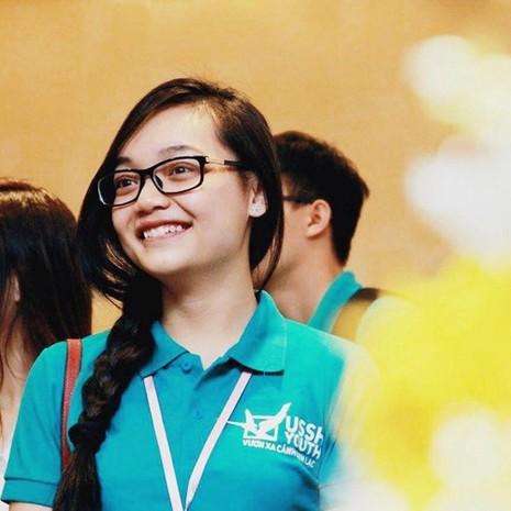 Tiết lộ về cô gái Việt tặng hoa Tổng thống Obama - ảnh 8