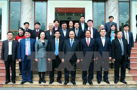 Thủ tướng giải đáp về TPP, ông Vũ Huy Hoàng với cử tri  - ảnh 1