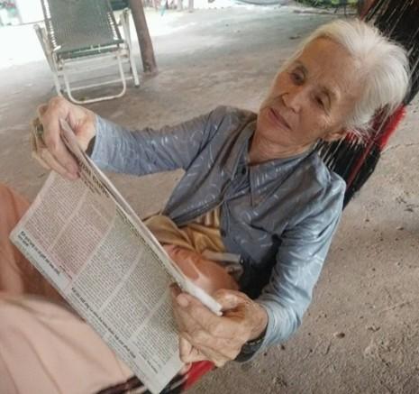 Cụ bà lạc đường, đang tìm người thân ở TP.HCM - ảnh 1