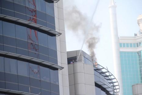 Diễn tập chữa cháy, cứu hộ trong tòa nhà 21 tầng - ảnh 2