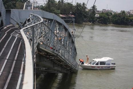 Bộ Giao thông lập đòan công tác đến cầu Ghềnh  - ảnh 1