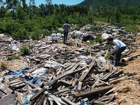 Lại phát hiện hàng tấn chất thải của Formosa chôn ở trang trại - ảnh 8