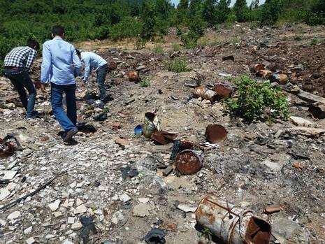 Phát hiện thêm 5 điểm với hàng tấn rác thải từ Formosa - ảnh 1