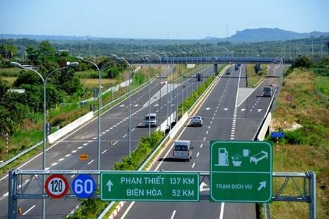Xem xét chuyển nhượng cao tốc hiện đại của Việt Nam cho đối tác Pháp - ảnh 1