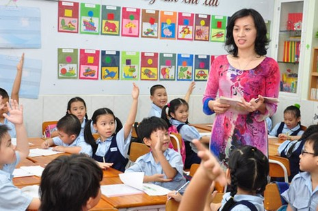 Hàng loạt giáo viên được hưởng chế độ sau 22 năm - ảnh 1