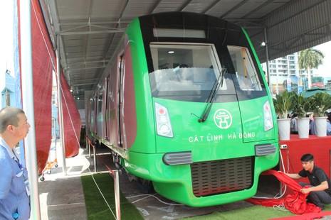Tàu điện Trung Quốc tuyến Cát Linh - Hà Đông về tới VN - ảnh 1