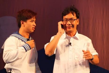 Hàng ngàn giáo viên Hà Nội được xem hài kịch miễn phí  - ảnh 1