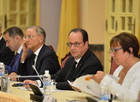 Lịch trình dày đặc của tổng thống Pháp ở Việt Nam - ảnh 1