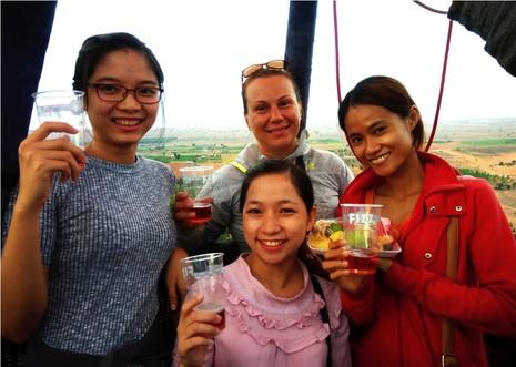 Ngắm Phan Thiết từ khinh khí cầu đầu tiên ở Việt Nam - ảnh 3
