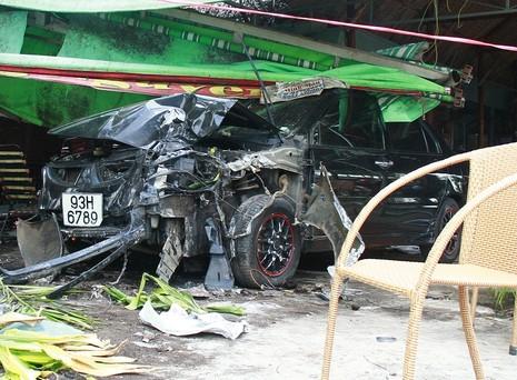 Trộm xe ô tô rồi bỏ chạy gây tai nạn liên tiếp - ảnh 1