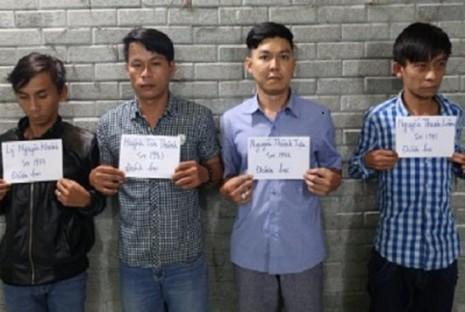 Nhóm cá độ bóng đá qua mạng internet bị công an bắt giữ