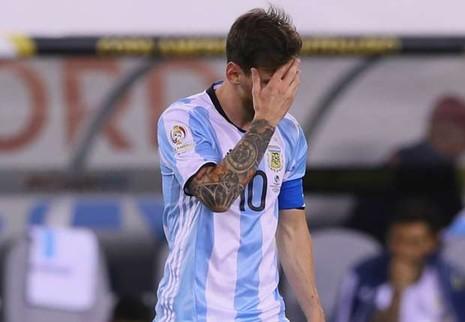 Maradona và người hâm mộ van xin Messi đừng giã từ đội tuyển - ảnh 2