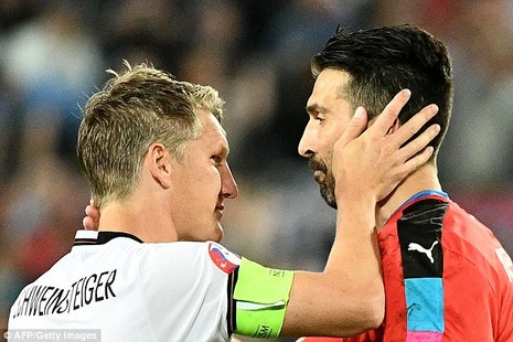 Buffon bật khóc sau khi thua Đức ở loạt đá luân lưu cân não - ảnh 3
