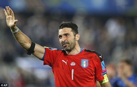 Buffon bật khóc sau khi thua Đức ở loạt đá luân lưu cân não - ảnh 2