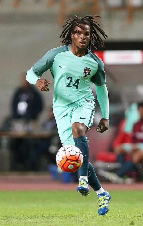 Cầu thủ trẻ Renato Sanches mới 18 tuổi