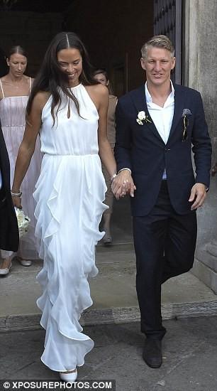 Lễ cưới giản dị và đẹp như mơ của Schweinsteiger và Ana Ivanovic - ảnh 1