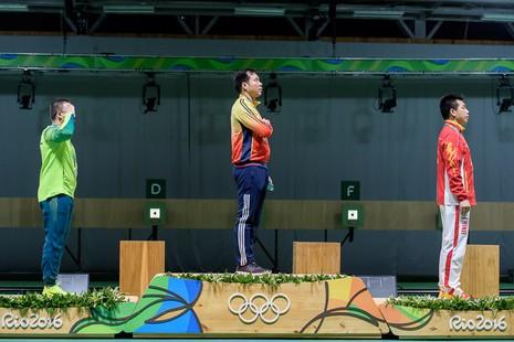 Ảnh: Khoảnh khắc vàng của Hoàng Xuân Vinh tại Olympic Rio  - ảnh 10