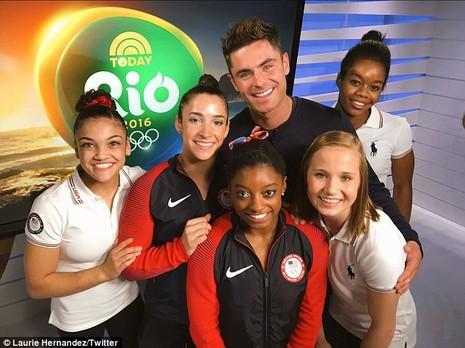 Nhờ đoạt 4 HCV Olympic, Simone Biles đã gặp được 'soái ca' trong mộng   - ảnh 7