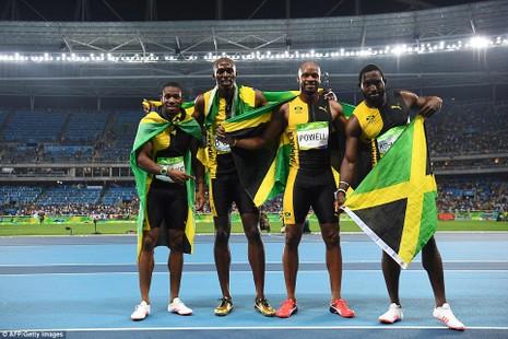 Giành HCV tiếp sức 4x100 m, Usain Bolt hoàn thành kỷ lục '3-3' - ảnh 2
