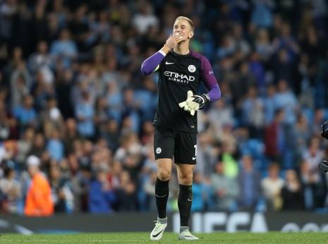 Joe Hart đã cảm ơn người hâm mộ Manchester City trong trận đấu trước Steaua Bucharest