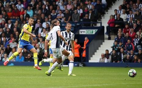 Ibrahimovic, Coutinho tranh chấp quyết liệt danh hiệu bàn thắng đẹp - ảnh 8