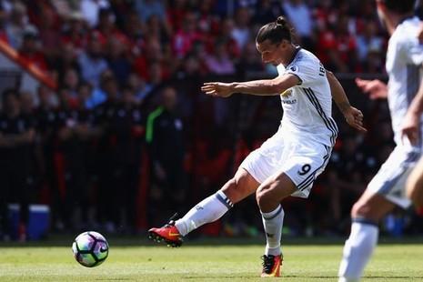 Ibrahimovic, Coutinho tranh chấp quyết liệt danh hiệu bàn thắng đẹp - ảnh 3