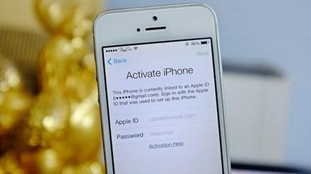 Khi bị mất iPhone, người dùng cần đến ngay các điểm giao dịch của nhà mạng để vô hiệu hóa SIM trên máy và làm SIM mới. Việc nhà mạng chỉ hỗ trợ khóa một chiều là