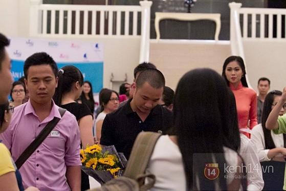 Nguyễn Hà Đông trở thành tâm điểm chú ý với phần trả lời 'siêu ngắn - siêu cá tính' 12
