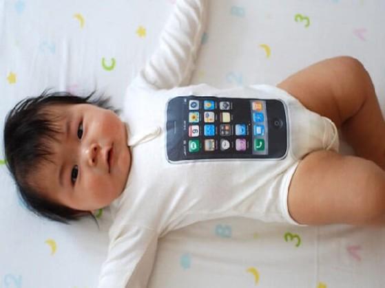 ban-con-gai-de-mua-iphone