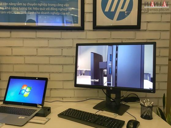 Màn hình HP EliteDisplay E272q 27 inch 5K Display.