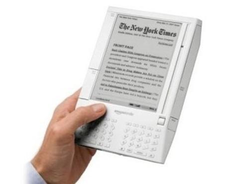Amazon Kindle (2007).