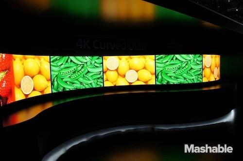 4-curved-tv-panasonic-7613-1389689528.jp