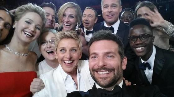 tự sướng, chụp ảnh, Ellen DeGeneres, nữ MC đồng tính, Samsung, thiết bị, Galaxy Note, chụp ảnh, 3 triệu USD