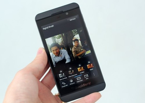 BlackBerry-Z10-15-jpg-13626437-1898-5602