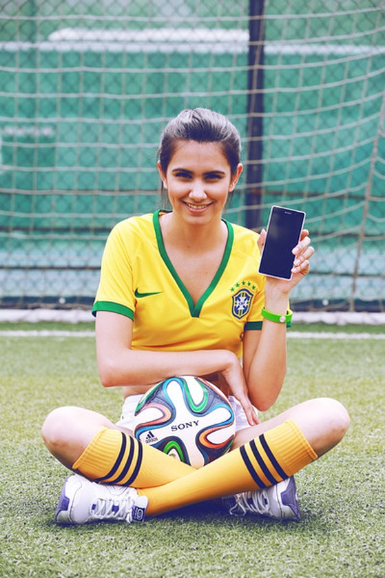 Hotgirl, World Cup, smartphone