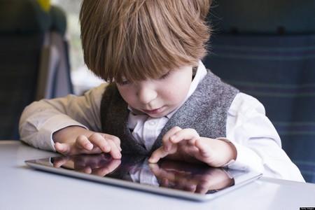Trẻ em có thể dị ứng nếu thường xuyên sử dụng các thiết bị công nghệ
