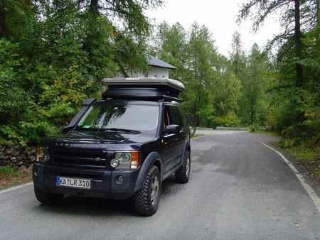 Land Rover LR3 cũng nằm trong bộ sưu tập xe hơi của Ive.